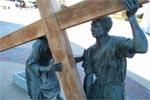 Station 5: Simon de Cyrène aide Jésus