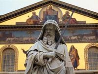 Statue de saint Paul devant St-Paul-HorslesMurs