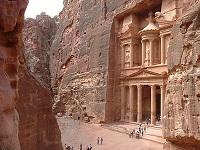 Le trésor du pharaon, un des monuments de Petra, sculté à même le rocher